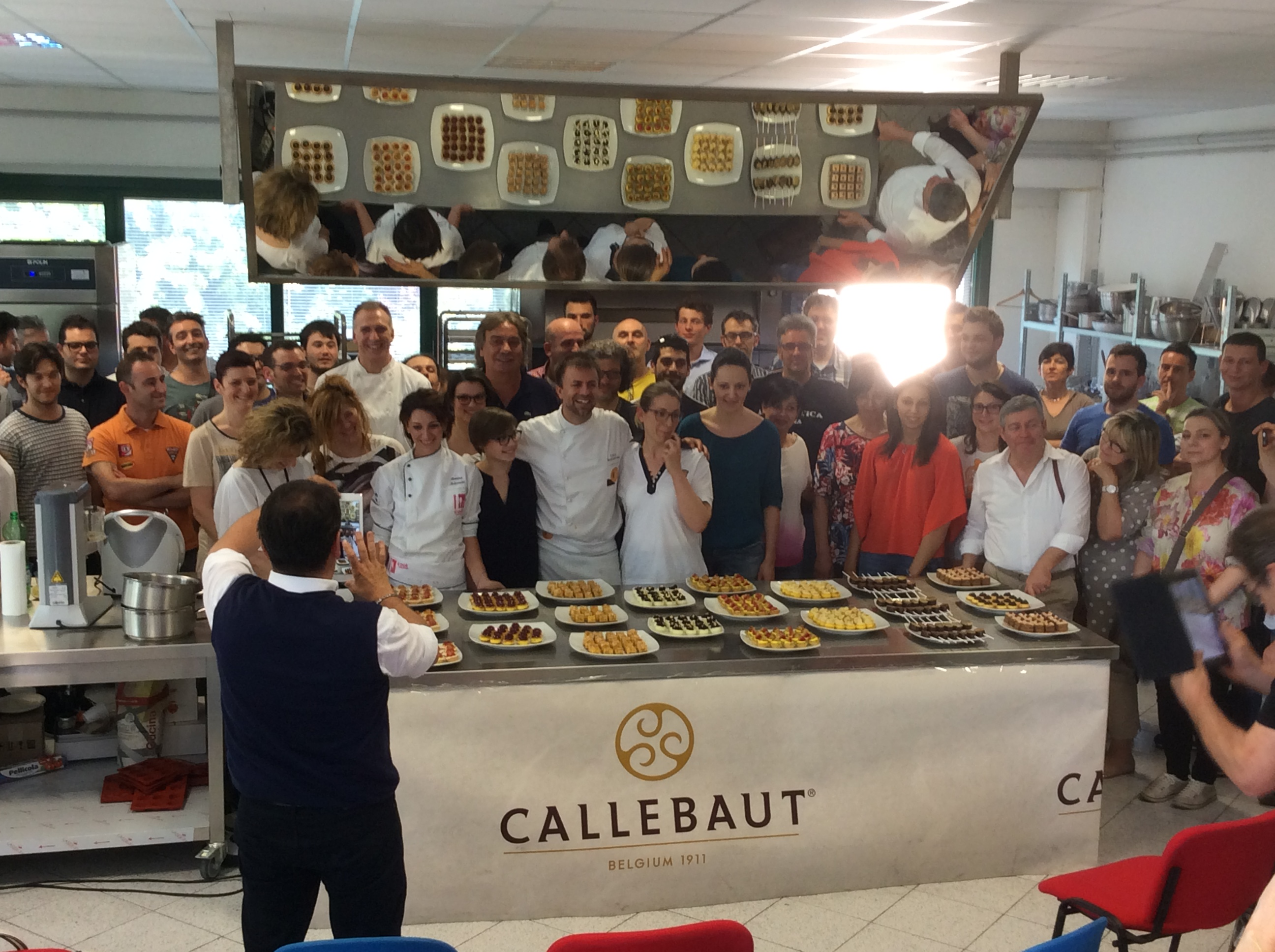 Buffet Di Dolci Mignon : Finardi dario srl u2013 10.05.15 la mignon dolce di luca montersino